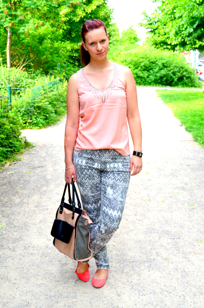 Outfit_Fashion_Musterhose_C&A_Outfitpost_Fashionblog_Zalando_Fashionblogger_Sommeroutfit_2