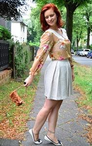 Annanikabu_Studio-Wandel_Schmetterling_Schmetterlingsbluse_Bluse-mit-Schmetterlingen_Shirt-mit-Schmetterlingen_Schmetterlinge_süßes-Outfit_Glitzerrock_Mango_Rock-von-Mango_Berlin_Collage_1