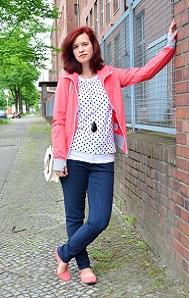 Bench_Outfitpost_Jacke-von-Bench_Bench-Jacke_Outfit-mit-Bench-Jacke_Annanikabu_Bench-Outfit_Berlin_Collage_11
