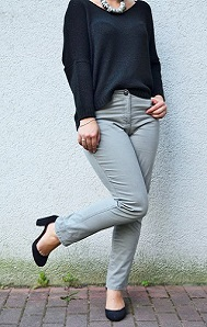 Cecil_Jeans_Outfit_schichtes-Outfit_graue-Jeans_Primark_Annanikabu_4