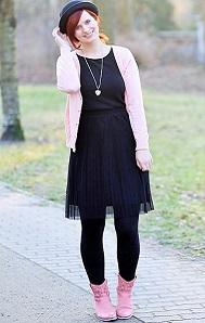 Fashion-Challenge_3-Teile-1-Look_ein-Teil-viel-Stile_kleines-Schwarzes_schwarzes-Kleid_Hut_schwarzer-Hut_Annanikabu