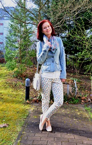 Outfit-mit-Musterhose_Musterhose_Musterhose-von-Orsay_Hose-von-Orsay_Outfitpost_Musterhose-kombinieren_Annanikabu_3