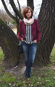 Outfit_Fashion_gestreifte-Bluse_roter-Blazer_bordeauxroter-Blazer_used-Jeans_Orsay_Annanikabu_1