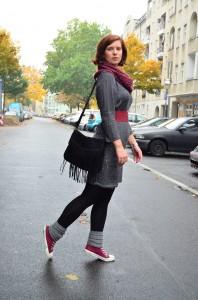 Outfit_Lederjacke_TKmaxx_Orsay_Kleid_Glitzerkleid_Kleid von Orsay_Chucks_Converse_Fashion_Outfitpost_Annanikabu_2