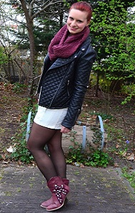 Outfit_Outfitpost_High-waist-Shorts_weiße-Shorts_Cowboystiefel_rote-Cowboystiefel_Lederjacke_schwarze-Lederjacke_Lederjacke-kombinieren_Outfit-mit-Stiefeln_Annanikabu_Collage