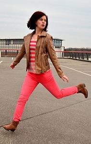 Outfit_Tchibo_farbverliebt_Lederjacke_rote-Hose_Annanikabu_3