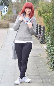 rote-Haare_minimalistisches-Outfit_Bench_schlichtes-Outfit_Fair-Fashion_Minimalismus_capsule-wardrobe_Annanikabu-4