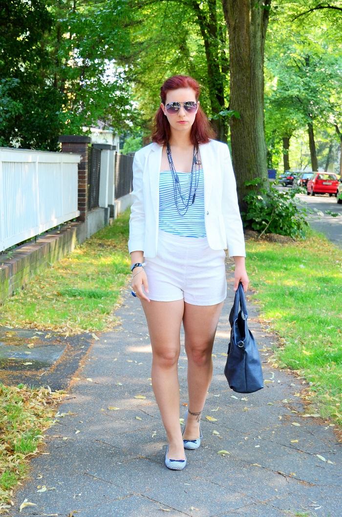 shopping blogging queen_matrosen ahoi_monaco_blau weiß_Outfit_Outfitpost_Annanikabu_3