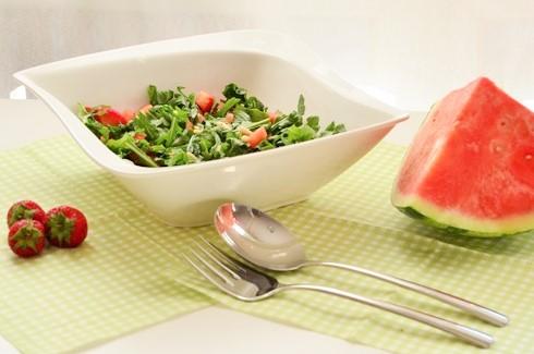 Rucula Erdbeer Melonen Salat mit Pinienkernen 2