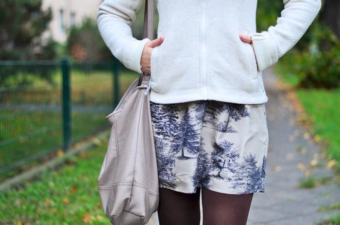 Bleibtreu store-bleibtreu berlin-bench-outfit mit kleid-herbst outfit-kleid im herbst-kleid mit strickjacke-outfit im herbst-kleid im herbst-annanikabu-lovemyhood-10