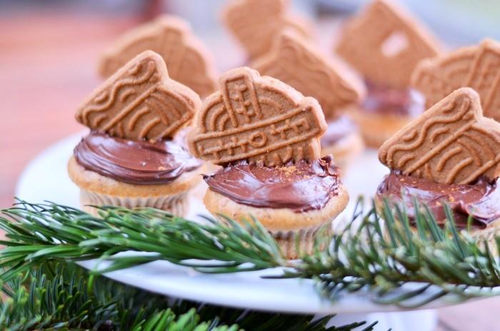 Spekulatius-Zimt Cupcakes, Weihnachts Cupcakes, Cupcakes mit Zimt, Zimtcupcakes, Muffins backen, backen mit Spekulatius, Weihnachtsrezept, Annanikabu, Blogger Adventskalender, 1
