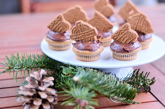 Spekulatius-Zimt Cupcakes, Weihnachts Cupcakes, Cupcakes mit Zimt, Zimtcupcakes, Muffins backen, backen mit Spekulatius, Weihnachtsrezept, Annanikabu, Blogger Adventskalender, 2