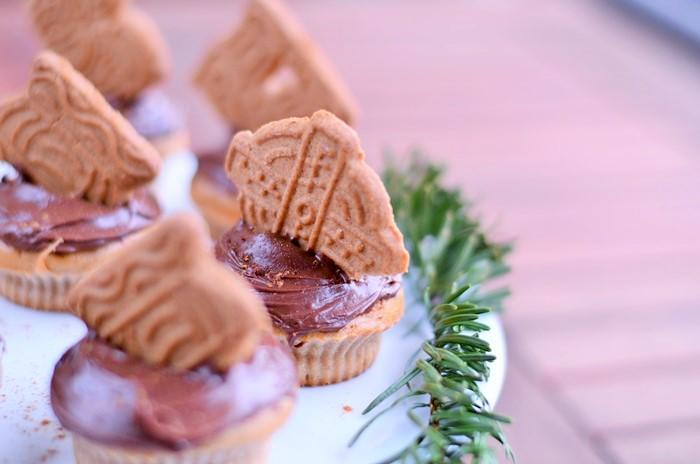 Spekulatius-Zimt Cupcakes, Weihnachts Cupcakes, Cupcakes mit Zimt, Zimtcupcakes, Muffins backen, backen mit Spekulatius, Weihnachtsrezept, Annanikabu, Blogger Adventskalender, 5