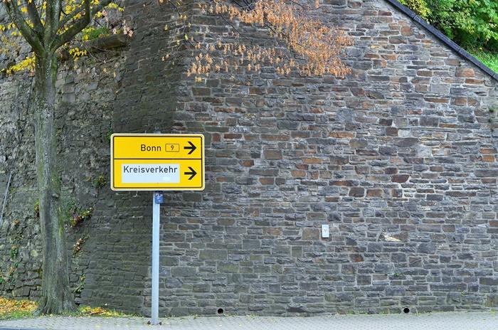 Deutschlandtour_Bullitour_Deutschlandreise_Reise durch Deutschland_mit dem Bulli durch Deutschland_Flitterwochen in Deutschland_Hochzeitsreise durch Deutschland_Andrenach_Koblenz_4 (7786781)