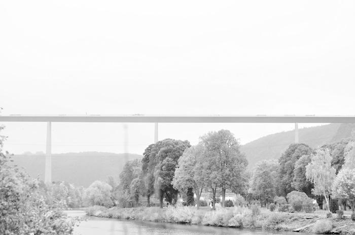 Deutschlandtour_Bullitour_Deutschlandreise_Reise durch Deutschland_mit dem Bulli durch Deutschland_Flitterwochen in Deutschland_Hochzeitsreise durch Deutschland_Andrenach_Koblenz_4 (7786789)