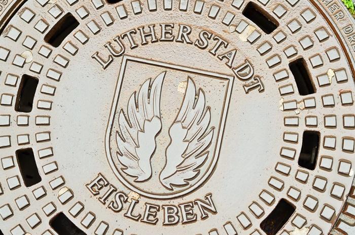 Deutschlandtour_Lutherstadt_Lutherstadt Eisleben_Eisleben_schöne Städte im Osten_Osten_DDR_bunte Gebäude_schöne Gebäude_Flitterwochen_Hochzeitsreise (1)