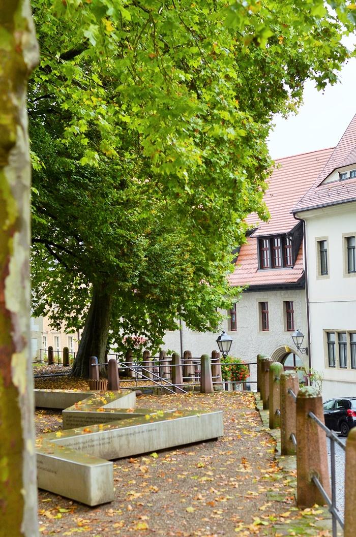Deutschlandtour_Lutherstadt_Lutherstadt Eisleben_Eisleben_schöne Städte im Osten_Osten_DDR_bunte Gebäude_schöne Gebäude_Flitterwochen_Hochzeitsreise (12)