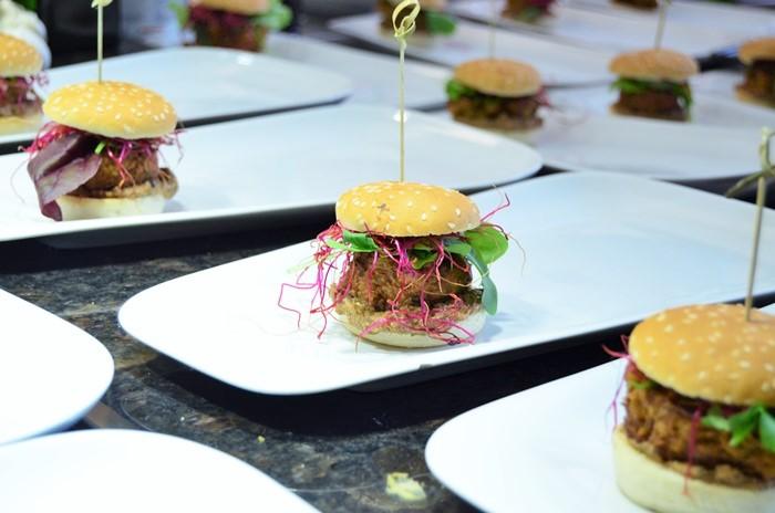 Burger Event_Burger Event_Burger City Guide_Burger selber machen_selbstgemachte Burger_Die Burger Bibel_Burger Rezept_Burgerrezept_Annanikabu (6)