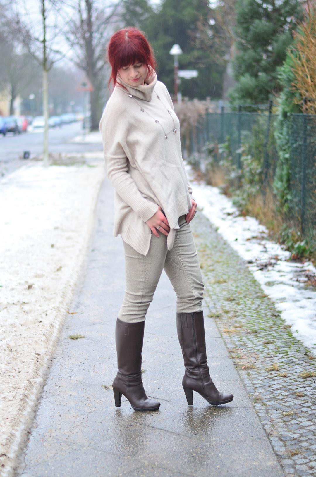 outfitpost_fashionblog_annanikabu_fashion_herbstoutfit_braune-stiefel_poncho_braunschweig-2