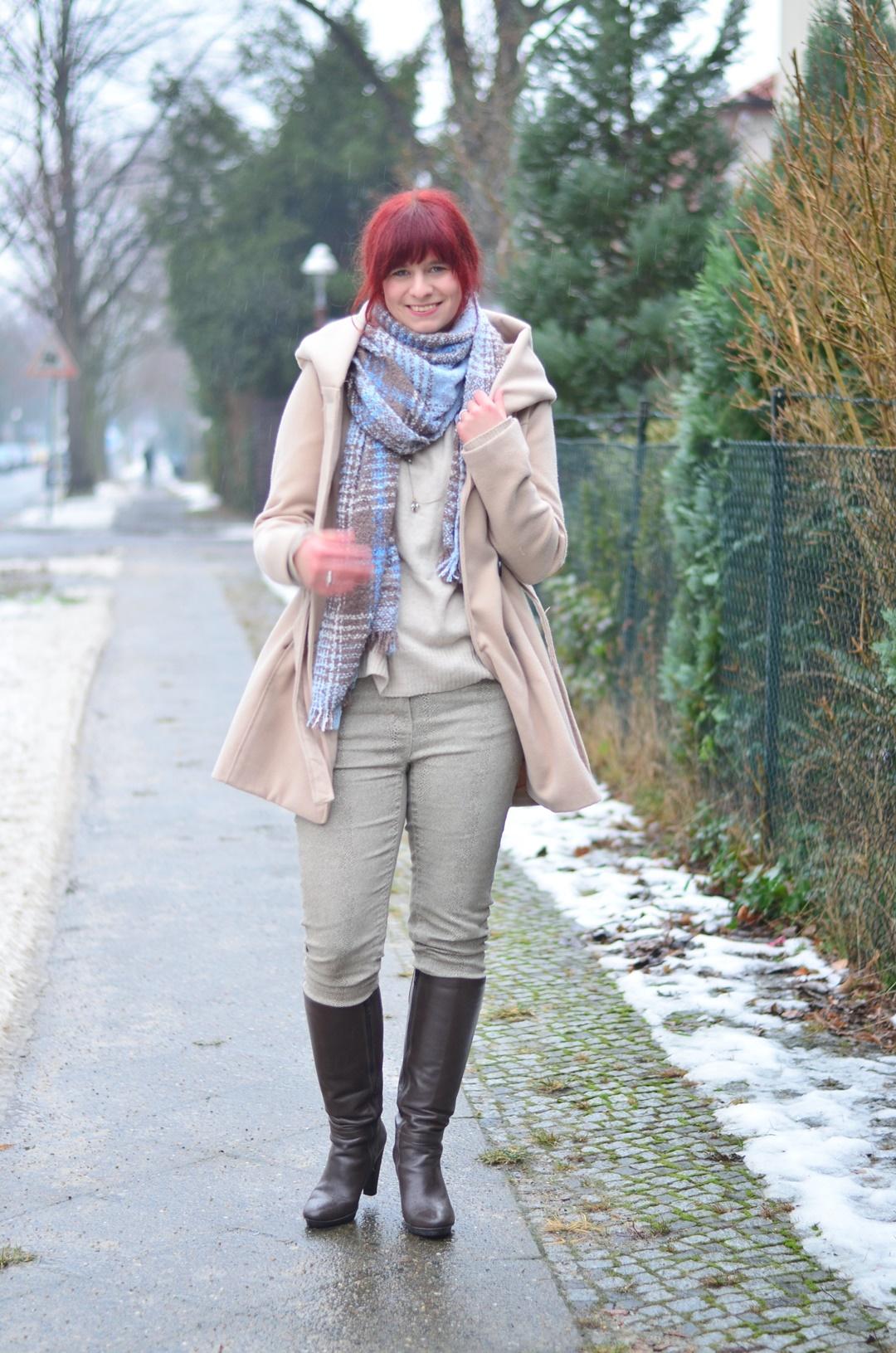 outfitpost_fashionblog_annanikabu_fashion_herbstoutfit_braune-stiefel_poncho_braunschweig-7