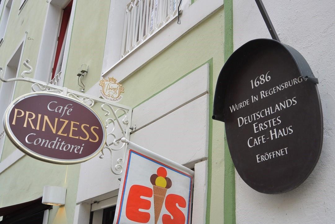 Regensburg_Bayern_Bayerntour_Weltkulturerbe_Donau_junge Donau_Bayernreise_Wochenendtrip_aeltestes Cafehaus_Annanikabu_Reiseblog (331)