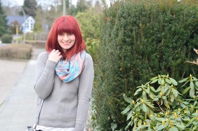 rote Haare_minimalistisches Outfit_Bench_schlichtes Outfit_Fair Fashion_Minimalismus_capsule wardrobe_Annanikabu (6)