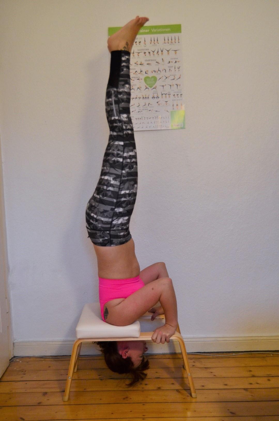 Feetup_Feetuptrainer_Kopfstand_Handstand_Schulterstand_Home Workout_Workout_Fitness_Körperbewusst_Annanikabu_2