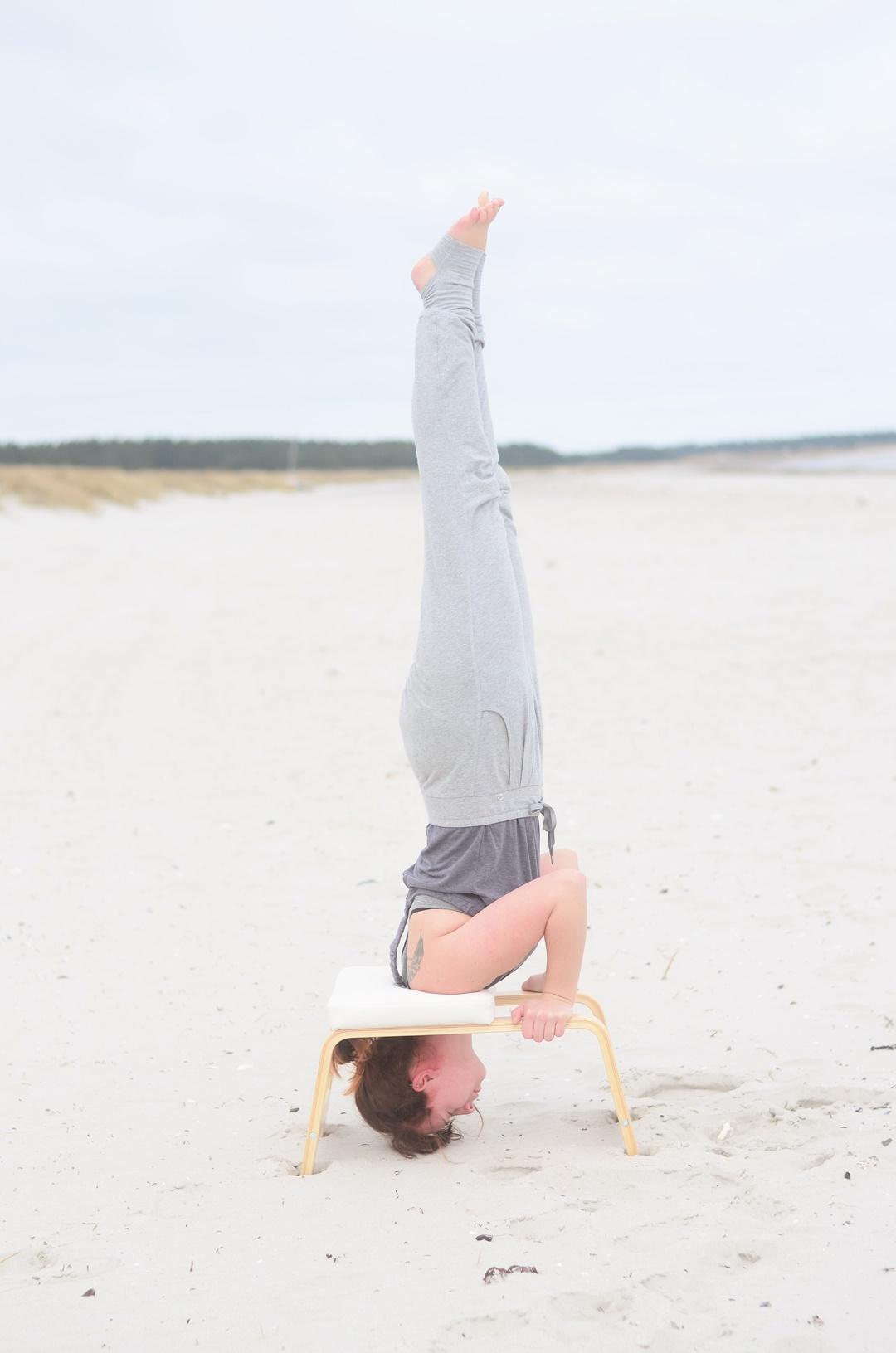 Feedup_Feedup Trainer_Handstand_Schulterstand_Sport am Meer_Ostsee_Sport am Strand_Annanikabu_Yoga_Yoga am Meer_Yoga am Strand_Fitnessblog (11)