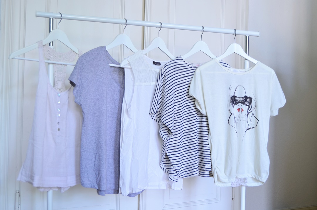 Juni 15x30_Minimalismus_Capsule Wardrobe_fair Fashion_Minimalistische Garderobe_Minimalismus Challenge_green Fashion_minimalism wardrobe_second hand_Annanikabu (1)