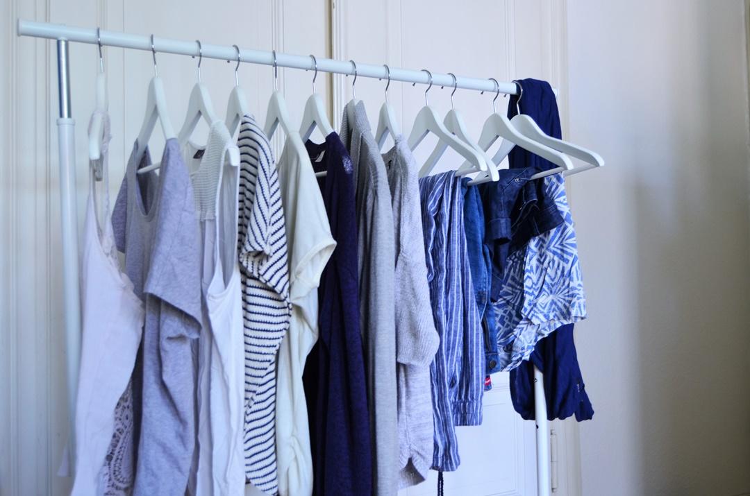 Juni 15x30_Minimalismus_Capsule Wardrobe_fair Fashion_Minimalistische Garderobe_Minimalismus Challenge_green Fashion_minimalism wardrobe_second hand_Annanikabu (7)