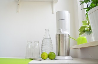 Soda Stream_Wassersprudler_Wasser aufsprudeln_Wasser trinken_ausreichend Wasser trinken_SodaStream_Soda_Annanikabu_Nachhaltiger Blog (2)