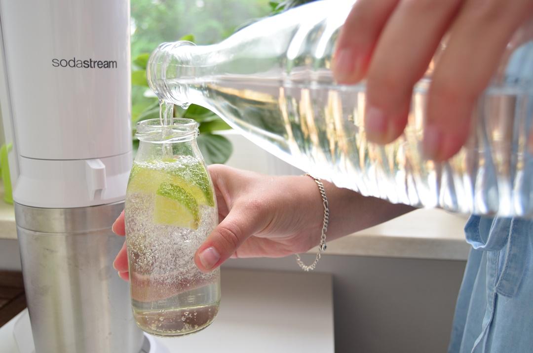 Soda Stream_Wassersprudler_Wasser aufsprudeln_Wasser trinken_ausreichend Wasser trinken_SodaStream_Soda_Annanikabu_Nachhaltiger Blog (5)