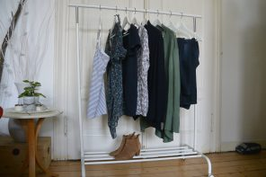 10&#215;10 Capsule Wardrobe: <p>10 Tage-10 Teile-10 Outfits